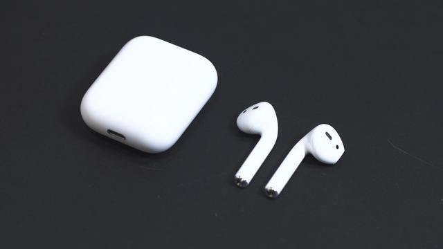 'Apple brengt volgend jaar AirPods met ruisonderdrukking uit'