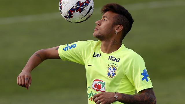 Neymar biedt excuses aan voor schorsing op Copa America