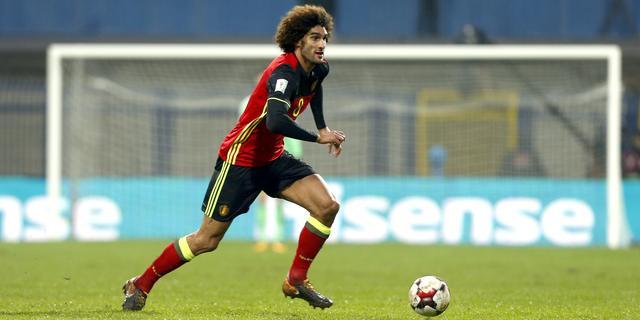 Manchester United weken zonder middenvelder Fellaini door knieletsel