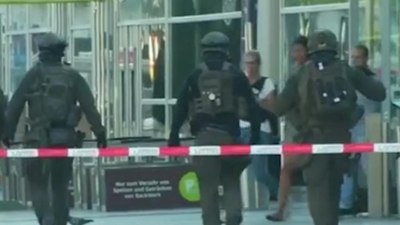 Speciale eenheid Duitse politie bij station om gijzeling