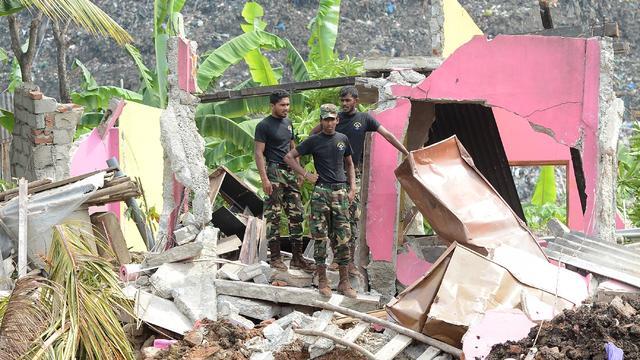 Kans op overlevenden na instorten afvalberg Sri Lanka klein