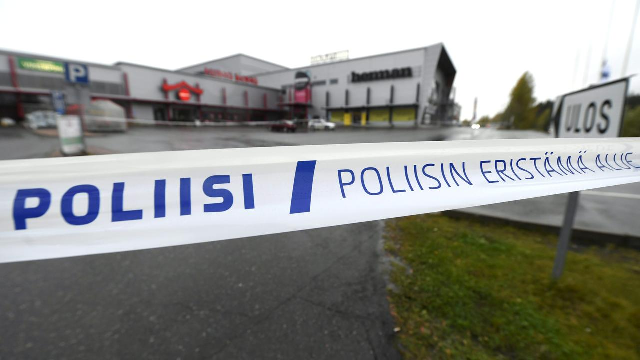 Dead And Ten Wounded In Attack With Sword At Finnish