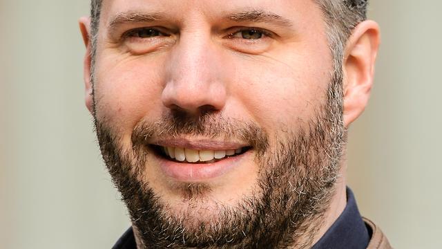 Tijl Beckand voelt zich 'toerist tussen kokende BN'ers' in Superstar Chef