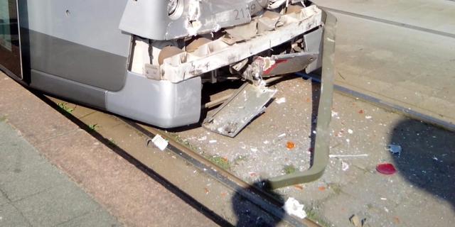 Negen gewonden bij kop-staartbotsing tussen twee trams in Rotterdam