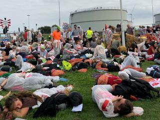 Ruim zevenhonderd mensen doen mee aan protestactie