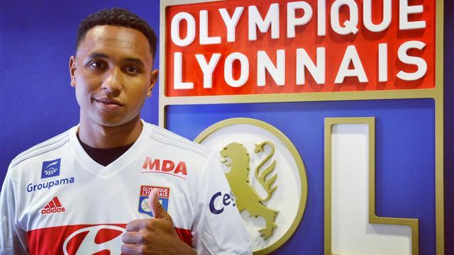 Tete verlaat Ajax en tekent voor vier jaar bij Olympique Lyon