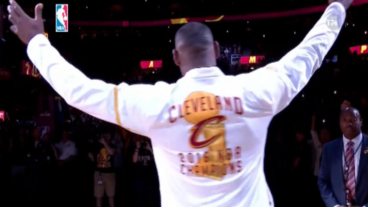 Cleveland Caveliers krijgen kampioensring