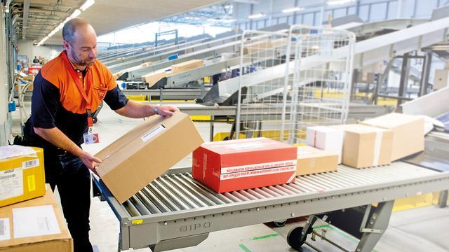 PostNL brengt pakketjes nog maar één keer