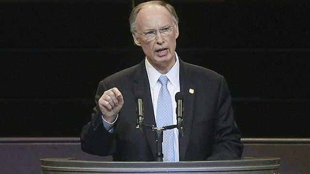 Gouverneur Alabama stapt op wegens seks- en fraudeschandaal