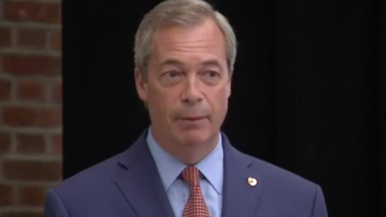 Farage maakt aftreden bekend