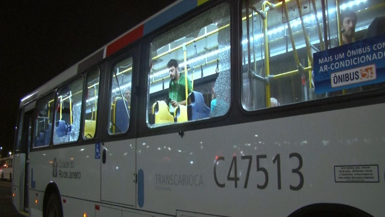 Bus met journalisten aangevallen in Rio