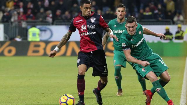 Transferupdates: 'Toronto wil Van der Wiel overnemen van Cagliari'