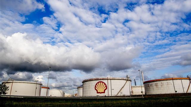 Shell betaalt 0 euro winstbelasting, maar strijkt wel milieusubsidies op