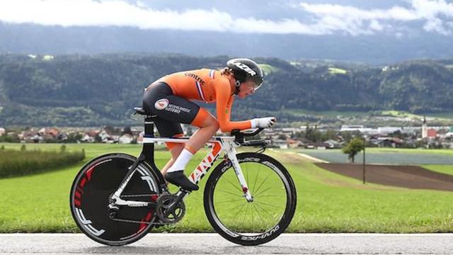 Ammerlaan wint tijdrit bij junioren op WK wielrennen