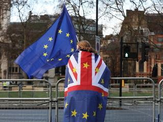 Brussel zet punt achter Brexit door handelsdeal met Britten goed te keuren