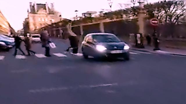 Franse motorrijder zet achtervolging in op doorrijder na ongeluk