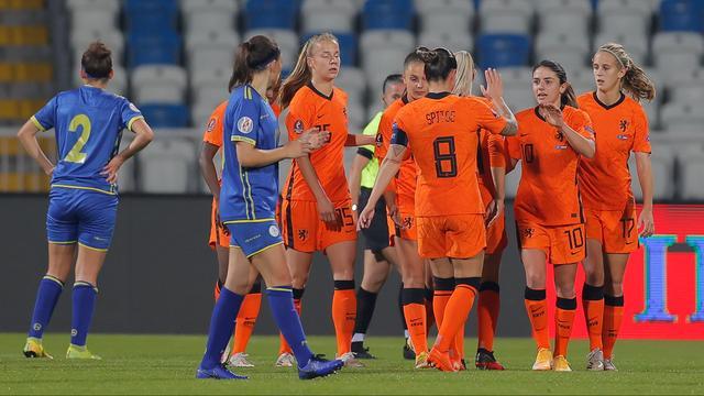Reacties na ruime zege Oranjevrouwen op Kosovo