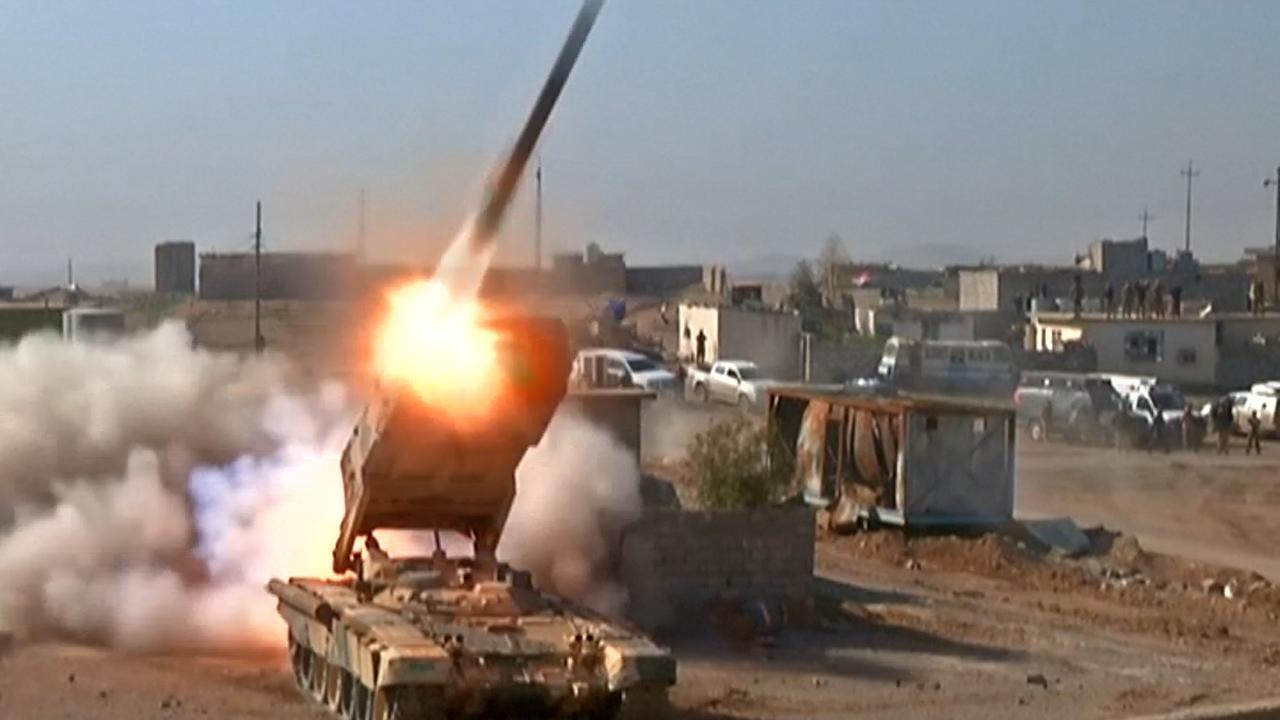 Iraakse militairen bestormen door IS bezet vliegveld in Mosul