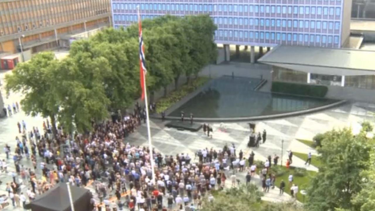 Noren staan stil bij herdenking aanslagen Breivik