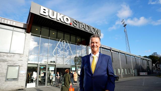 Van Gaal arriveerde aan het einde van de middag bij het stadion van Telstar, waar hij van 1977 tot 1978 speelde.