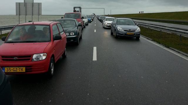 A7 Afsluitdijk weer open na stremming door technische storing