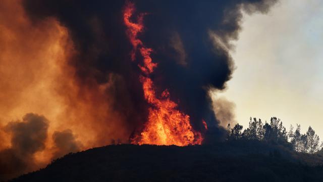 Natuurbranden Californië laaien weer op door harde wind