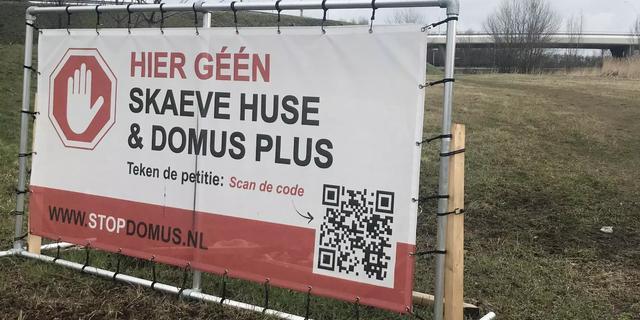 Omwonenden Reinaldapark protesteren tegen komst verslaafdenopvang Domus+