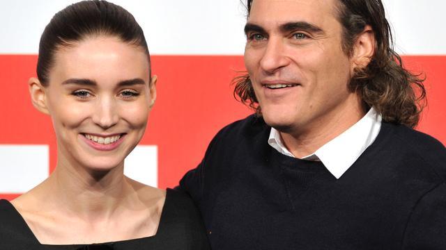 'Acteur Joaquin Phoenix en actrice Rooney Mara zijn verloofd'