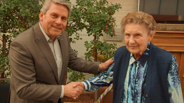 92-jarige Naantje Verdonck doet al 40 jaar vrijwilligerswerk