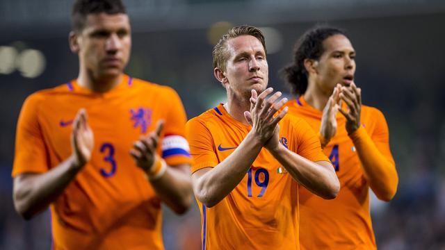 Matig Nederlands elftal speelt gelijk tegen Ierland in oefenduel