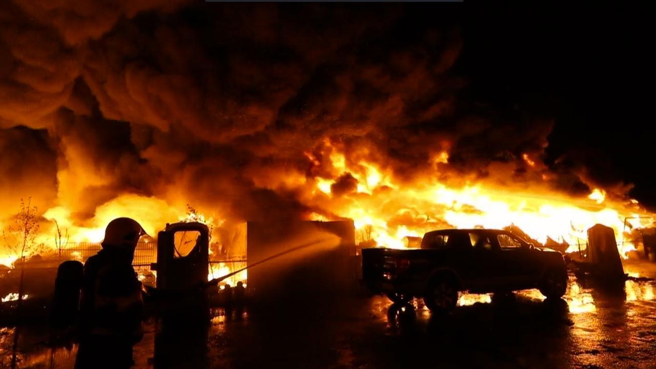 Enorme brand treft bandenopslag Someren-Heide