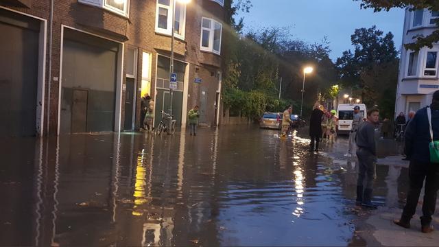 Meer dan honderd woningen Delfshaven tot dinsdag zonder water