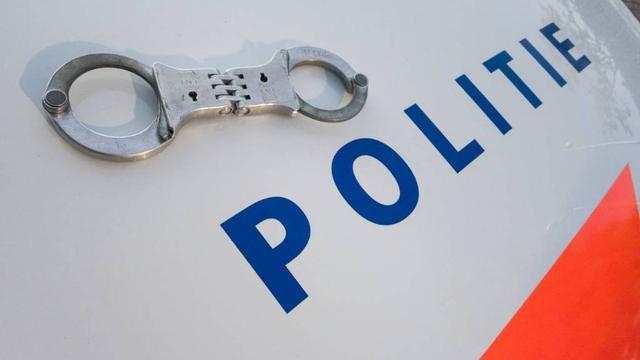 Man en vrouw uit België aangehouden in gestolen auto bij Zevenbergen