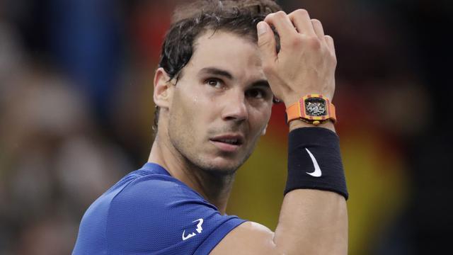 Nadal trekt zich met knieblessure terug voor kwartfinale Parijs