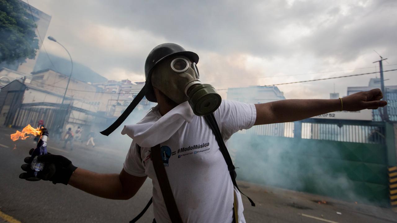 Waarom er al maanden rellen zijn in Venezuela