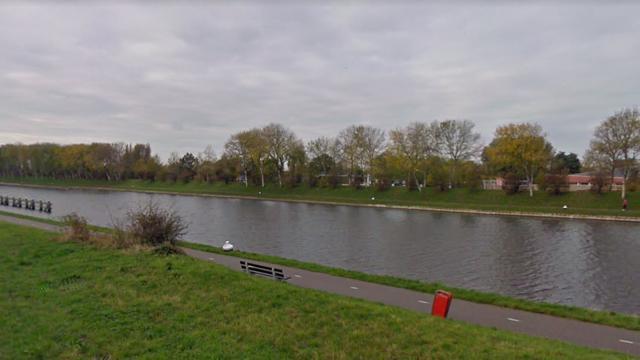 Gemeente Vlissingen waarschuwt 'brugspringers' Draaibrug voor boete