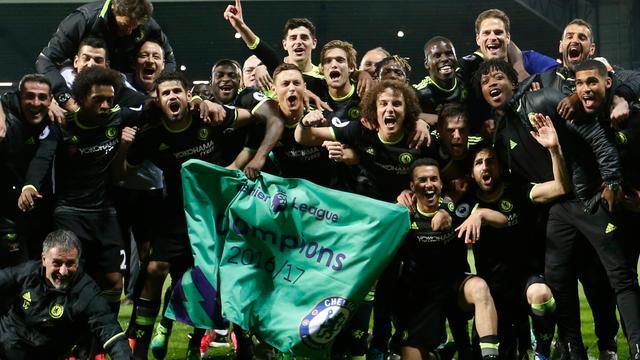Chelsea na kleine zege voor zesde keer kampioen van Engeland