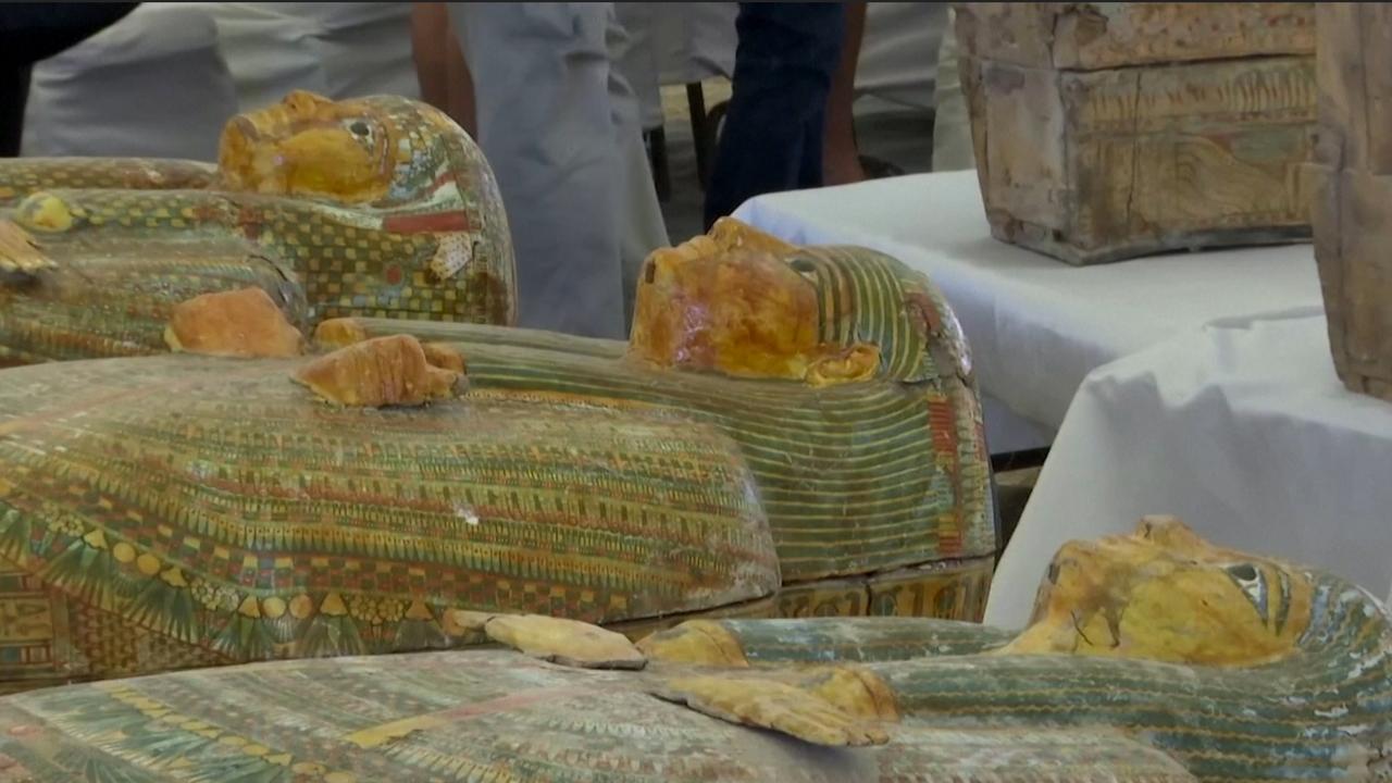 Vondst van de eeuw: Egypte toont 30 sarcofagen