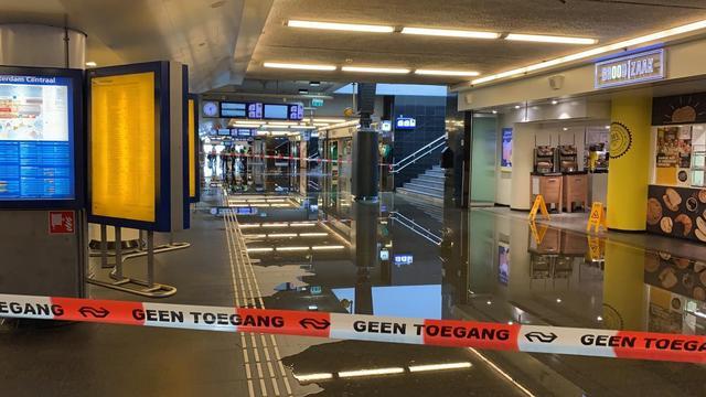 Westtunnel op Centraal korte tijd afgesloten door kapotte sprinkler
