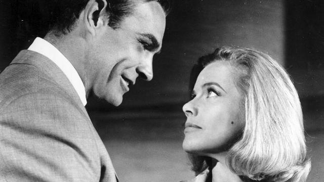 James Bond moest seksuele voorkeur van personage 'genezen'