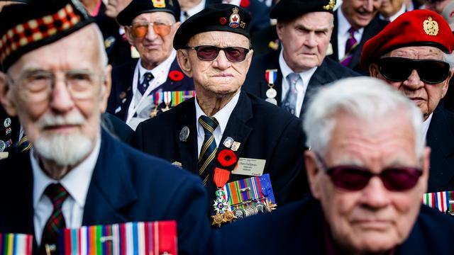 Zeeuwen betuigen respect aan veteranen in Middelburg