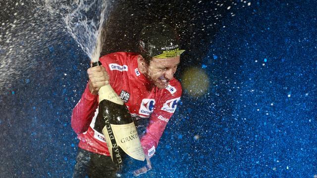 Simon Yates pakt eerste eindzege in Vuelta, Viviani sprint naar winst