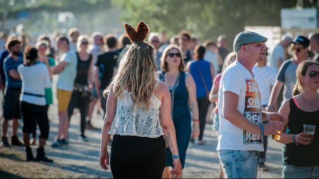 Wat je wel en juist niet aantrekt naar een festival
