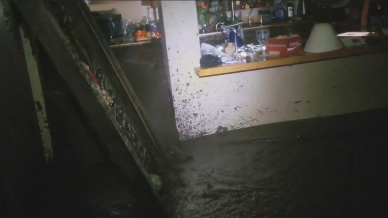 Amerikaan filmt moment dat huis volstroomt met modder