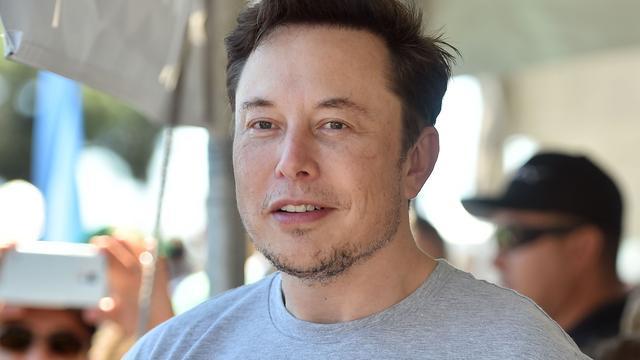 Tesla-topman Elon Musk noemt Britse duiker opnieuw 'kinderverkrachter'