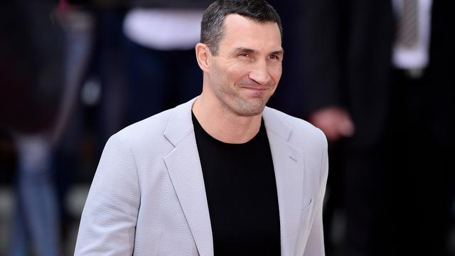 Bokser Klitschko wil dat 'imbeciel' Fury geschorst wordt
