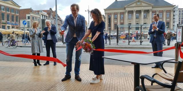 Wethouder Paul de Rook opent The Market Hotel in Groningen