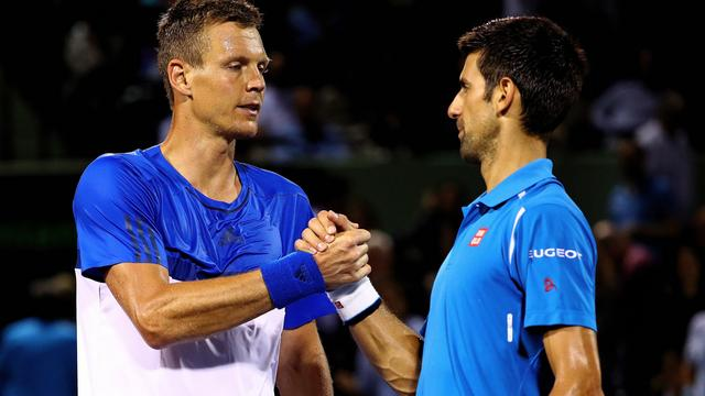Djokovic en Azarenka zonder setverlies door in Miami