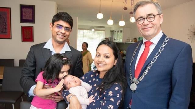 Baby Aarini Suri 160 duizendste inwoner Haarlem
