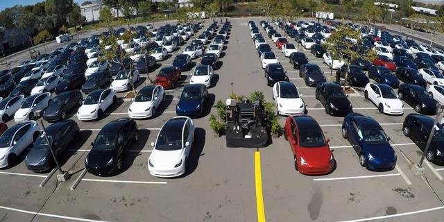 Tesla rekent ook in 'moeilijk 2020' op groei, betaalbaar model aangekondigd